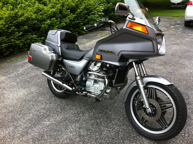 1982 GL500    Silverwing    Interstate